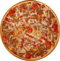 Пицца с мясом говядины и помидорами