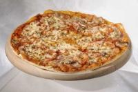 Пицца с мясом говядины и шампиньонами