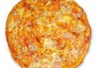 Пицца с грудкой и помидорами