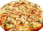 Пицца с кальмарами и морковью по корейски