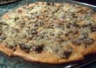 Пицца с горбушей и шампиньонами